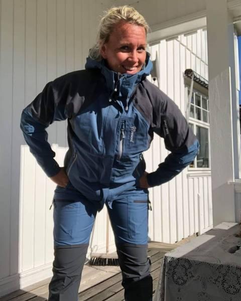 Bilde av Fritidsjakke Isaberg Blå